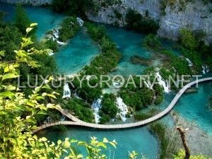 Plitvice lakes waterfalls - excursions by Luxurycroatia.net