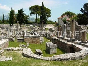Roman_Ruins_-_Solin_-_Outside_Split_-_Croatia_02-300x224