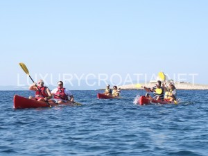 kayaking in waters of Hvar - daily excursion