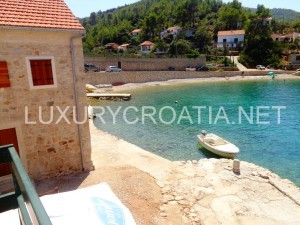 For sale: Traditional Stone House on Seafront, Jelsa Area, Hvar