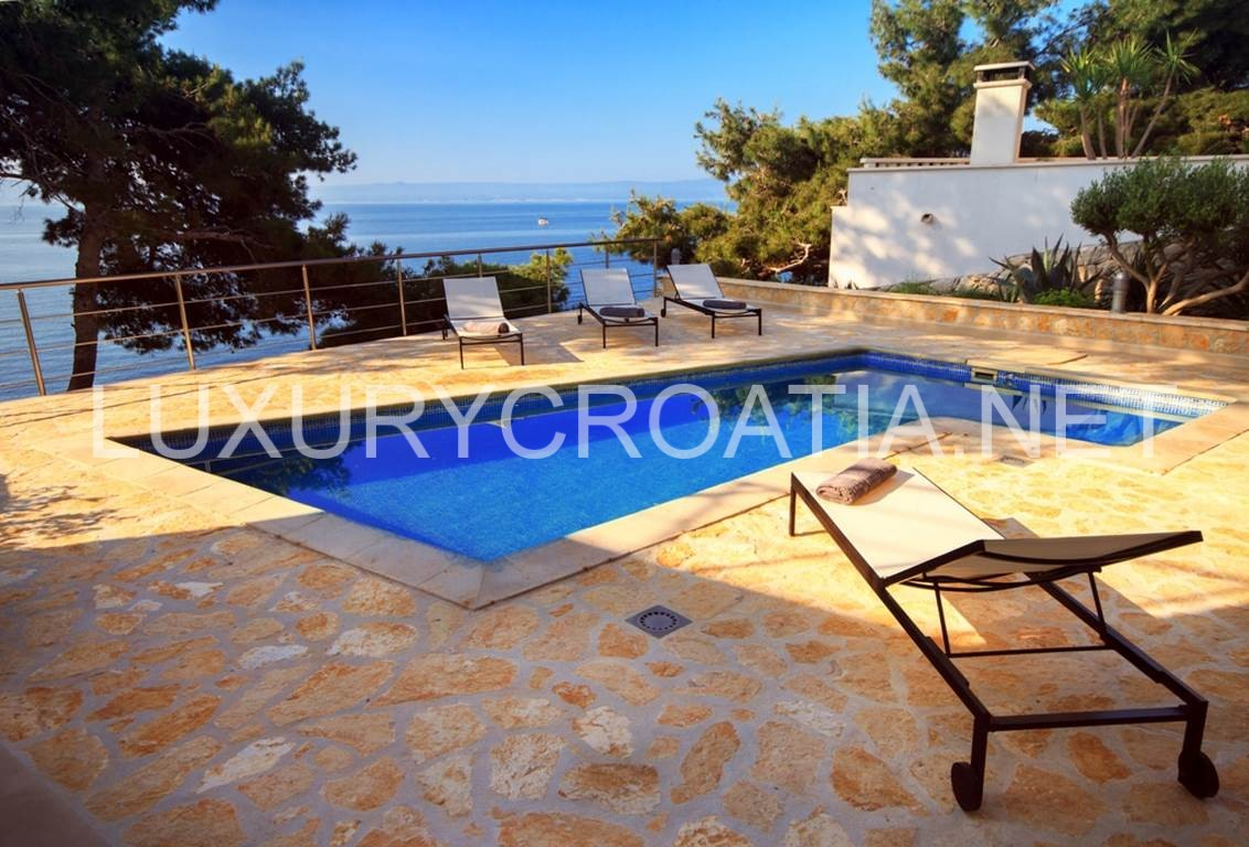 Seafront Villa With Pool For Rent Sumartin Island Brac