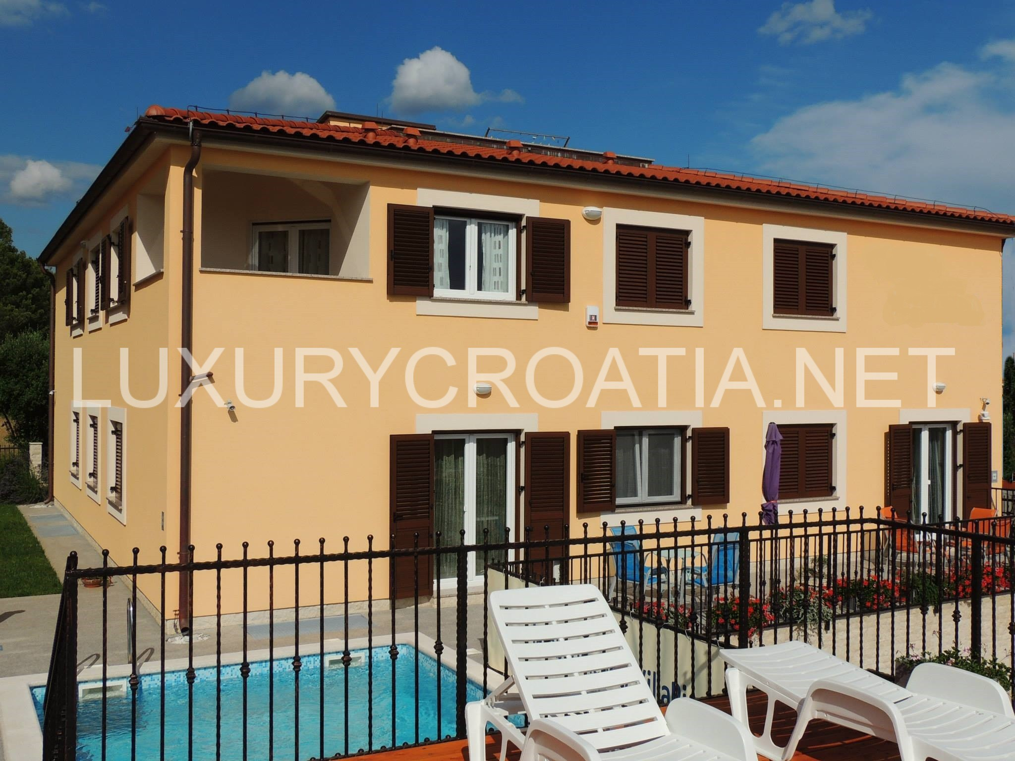 Apartments For Rent With Pool Fazana Istria