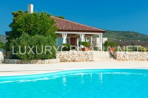 Villa with pool and panoramic sea view, near Hvar town