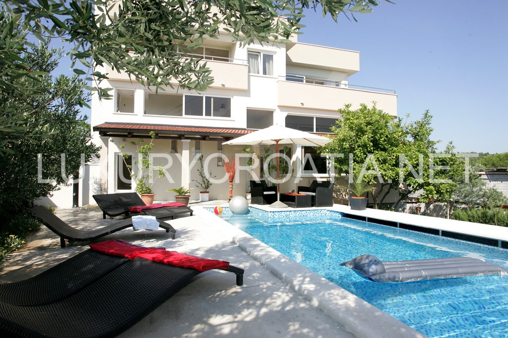 Beautiful Villa With Pool With Seaview For Rent Ciovo