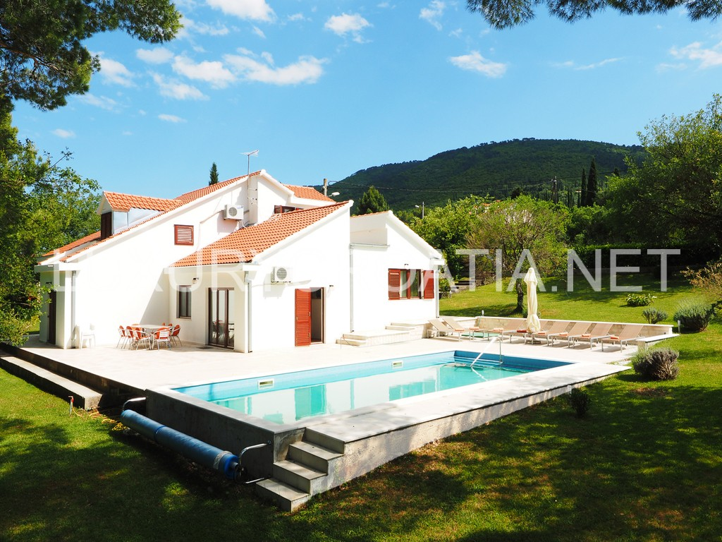 Family house with pool for rent konavle luxury croatia for Pool and pool house