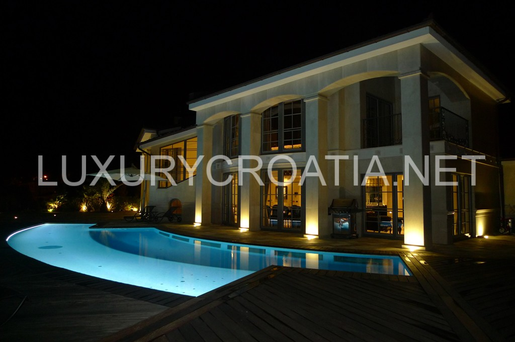 Large Luxurious Villa With Pool For Rent Opatija