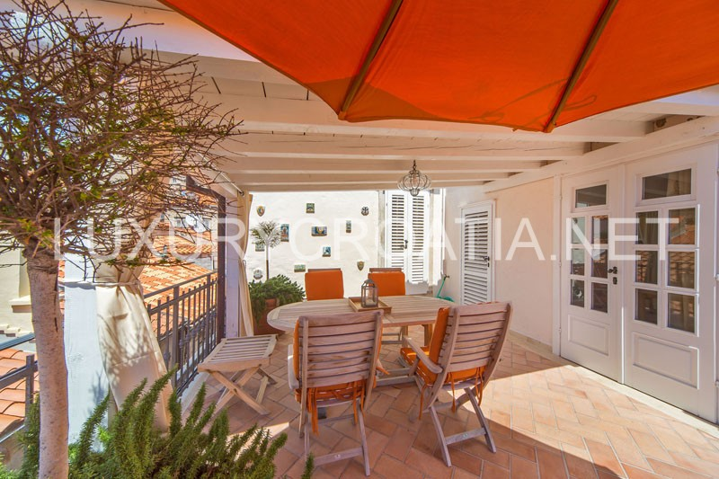 Studio apartment with terrace for rent dubrovnik luxury for 12th avenue terrace apartments