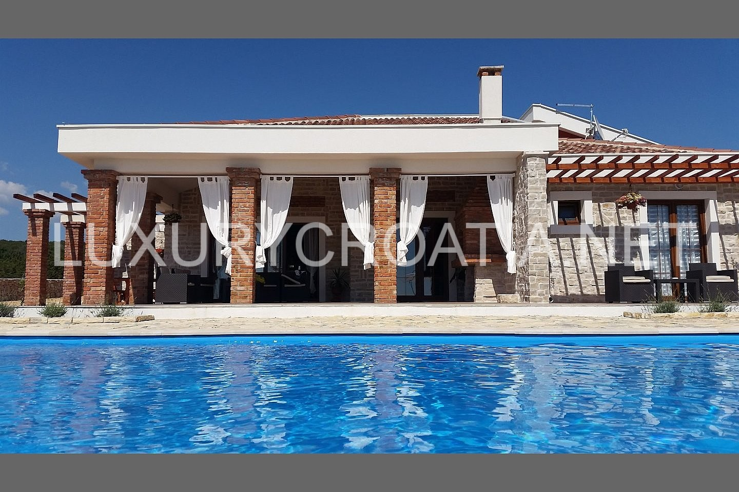 Villa with pool for rent with large outdoor area near for Big outdoor pool