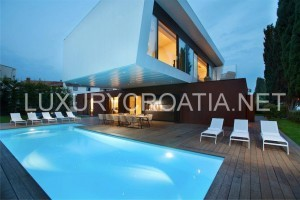 Beach front modern villa with pool for rent, Porec, Istria
