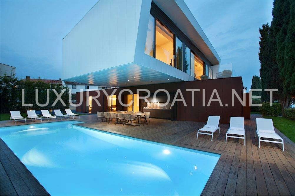 Beach Front Modern Villa With Pool For Rent Porec Istria