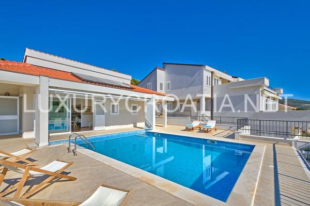 Luxury five star villa in primosten for 5 star villas