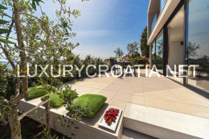 Villa with indoor pool for rent, Primosten, Sibenik