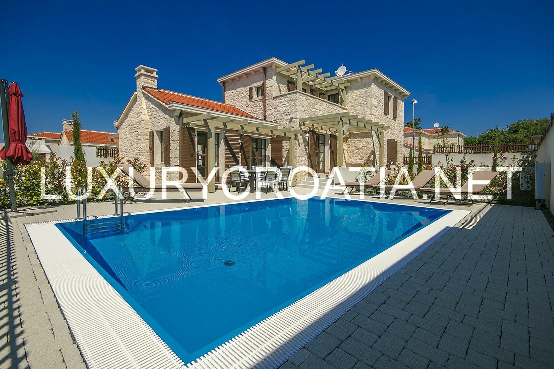 Villa With Pool No 4 For Rent Liznjan Istria