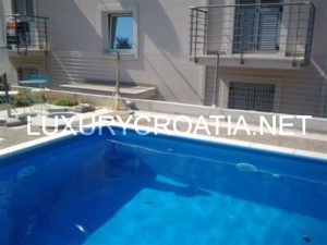 APARTMENT FOR SALE WITH POOL AND SEAVIEW SUPETAR BRAC