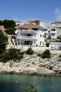LUXURY CROATIAN VILLA FOR RENT WITH POOL SEAFRONT, ROGOZNICA
