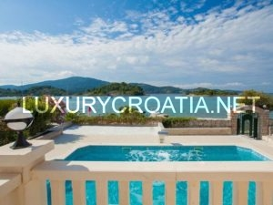 Luxurious apartment villa with pool in island of Korcula
