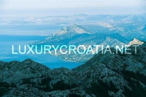 Makarska, between mountain and sea