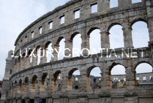 Pula, Roman amphitheatre