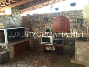 A nice house for sale in old part of town in Supetar, Brac Island