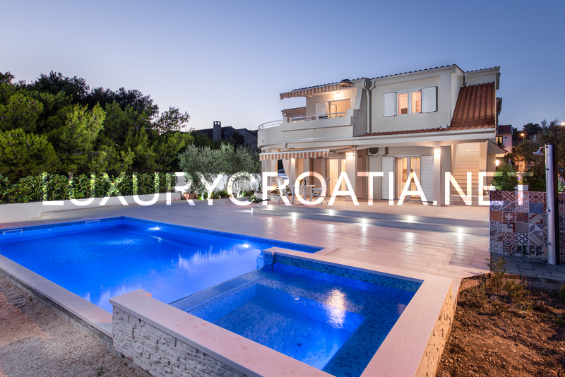 Swimming Pool Rentals : Beachfront villa with a swimming pool in rogoznica for rent