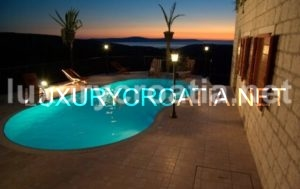 Beautiful Holiday Villa for Rent, Bobovišća, Island of Brač