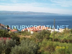 Building land with a fantastic sea view in Omis area for sale