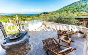 Villa for rent in small village on island of Hvar