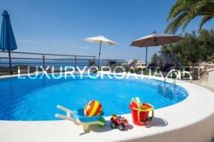 Villa for sale with pool and sea view, Makarska