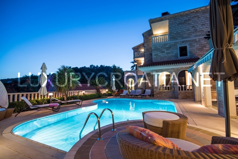 Villa With A Pool For Rent Sumartin Brac