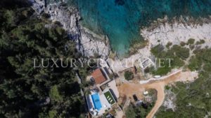 seafront villa with swimming pool for rent Hvar island