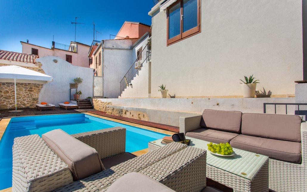 Mediterranean villa with a pool krk luxury croatia for Luxury mediterranean villas