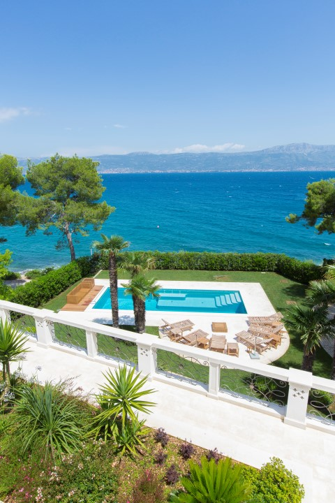 Beach Front Villa For Rent With Pool Ciovo Trogir Area