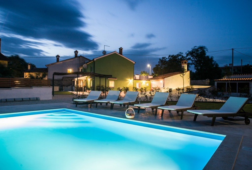 Cozy Villa For Rent With Pool Istria