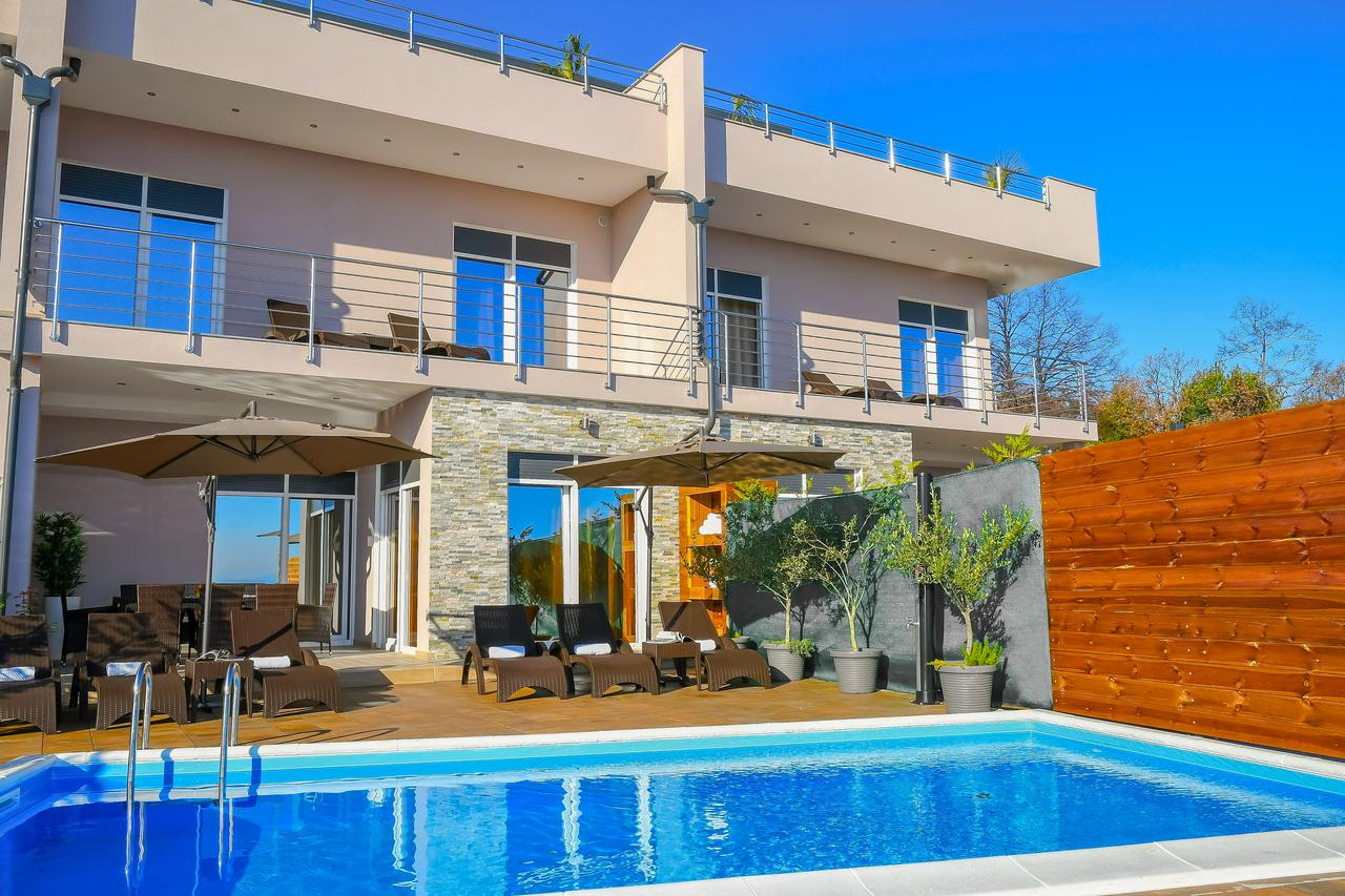 Sea View Villa With Pool For Rent Opatija