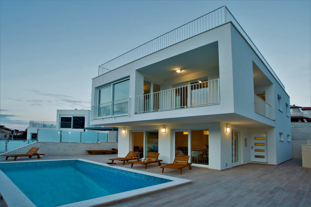 Waterfront Villa With Pool For Rent Rogoznica Luxurycroatia