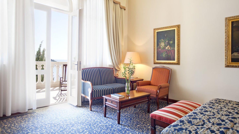 Seafront boutique hotel in dubrovnik luxurycroatia for Boutique hotel intermezzo 4 pag croatie