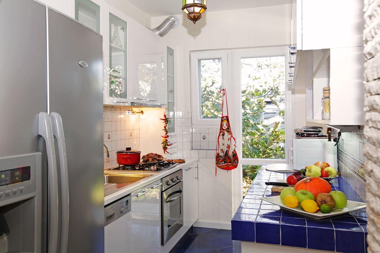 villa with a pool for rent korcula island luxurycroatia. Black Bedroom Furniture Sets. Home Design Ideas
