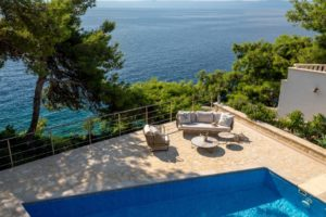 Seafront villa with pool for rent, Sumartin, island Brac