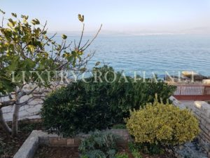 SEAFRONT HOUSE FOR SALE SOLTA ISLAND (21)