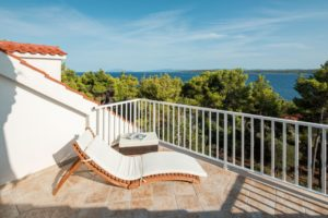Apartment villa with panoramic sea view for rent