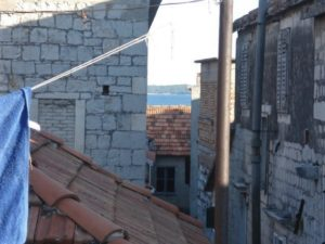 Stone house for sale in Kastel Stari