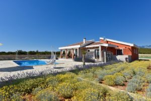Villa with pool for rent with large outdoor area, near Novalja, Pag