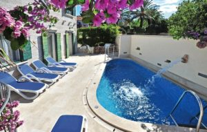 Villa with pool for sale Island Brac