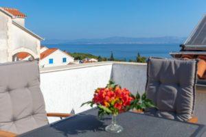 Sea view villa with pool on island Brac